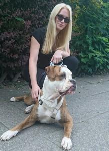 Autorin Alexa und Hund Lotti