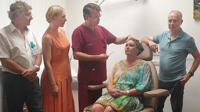 Als Model Auf Ärzte Lehrgang Für Botox & Filler! Mission: Brow Lift Mit Botox & Aufbau Der Kinnlinie Mit Hyaluronsäure